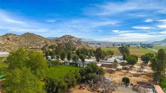13948 Marian Road, Moreno Valley, CA 92555 (#PW18067566) :: Realty Vault