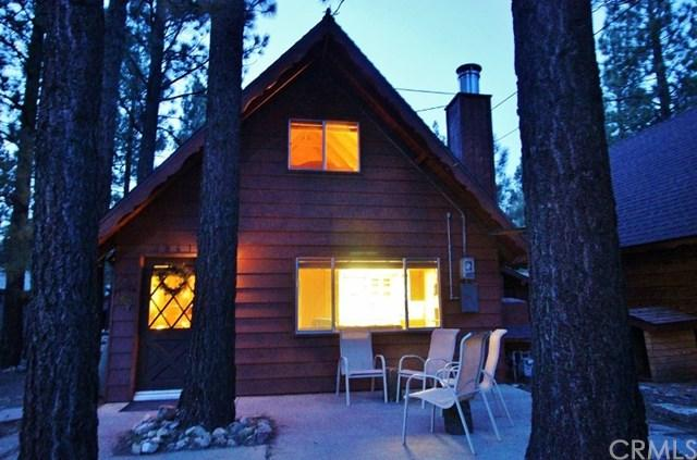 2061 7th Lane, Big Bear, CA 92314 (#EV18072914) :: Barnett Renderos
