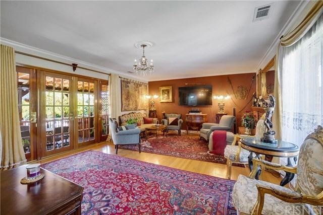 10626 Lemona Avenue, Mission Hills (San Fernando), CA 91345 (#SR18071719) :: Kristi Roberts Group, Inc.