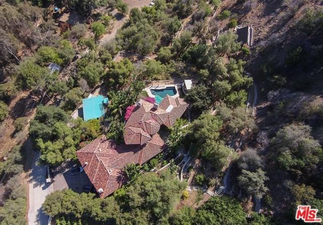 21415 Greenbluff Drive, Topanga, CA 90290 (#18330056) :: RE/MAX Empire Properties