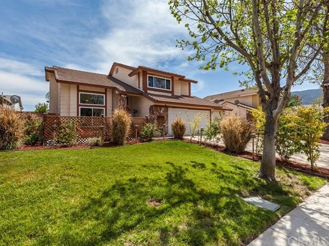 32460 Somerset Drive, Lake Elsinore, CA 92530 (#OC18077905) :: Barnett Renderos