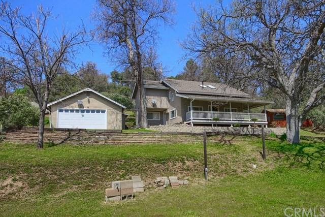 49882 Gamegan Way, Oakhurst, CA 93644 (#FR18078532) :: Barnett Renderos