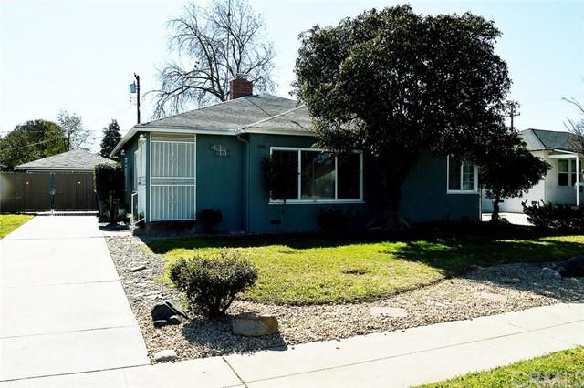 2728 E Michigan Avenue, Fresno, CA 93703 (#FR18083383) :: Impact Real Estate