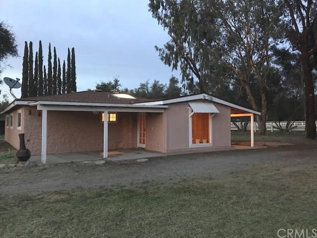 14066 Cool Valley Road, Valley Center, CA 92082 (#SW18085557) :: Allison James Estates and Homes