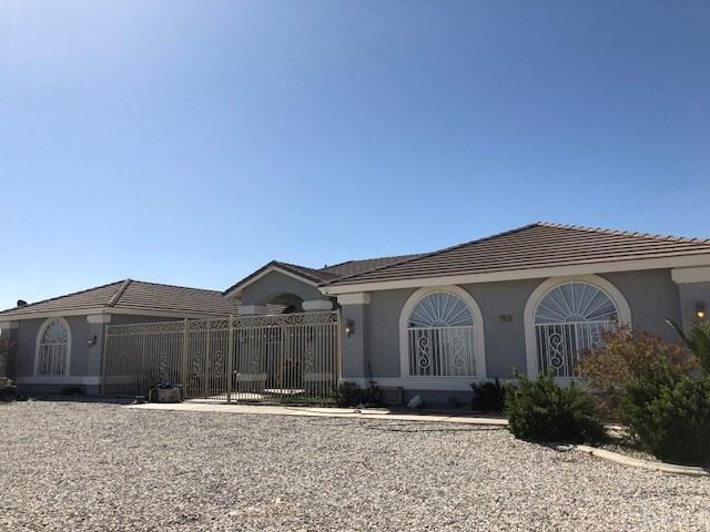 13615 Farmington Street, Oak Hills, CA 92344 (#CV18086429) :: RE/MAX Empire Properties