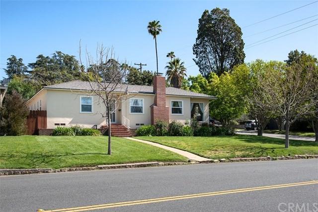 925 W Crescent Avenue, Redlands, CA 92373 (#CV18086956) :: Angelique Koster