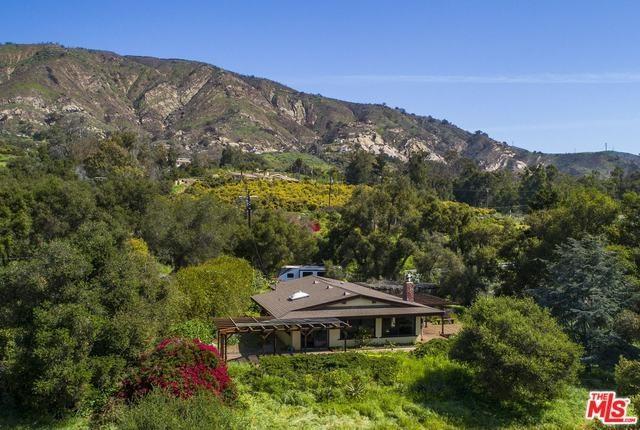 4506 Foothill Road, Carpinteria, CA 93013 (#18333990) :: Kristi Roberts Group, Inc.