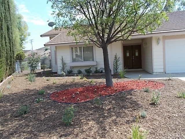 22961 Sierra Trail, Canyon Lake, CA 92587 (#IV18087393) :: Impact Real Estate
