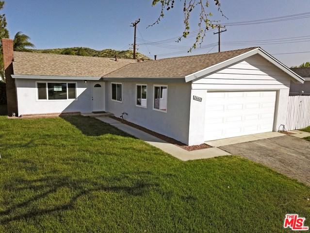 26620 Cantos Drive, Saugus, CA 91350 (#18334112) :: Kristi Roberts Group, Inc.