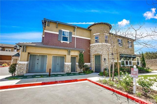 16703 Nicklaus Drive 31A, Sylmar, CA 91342 (#SR18087672) :: Impact Real Estate