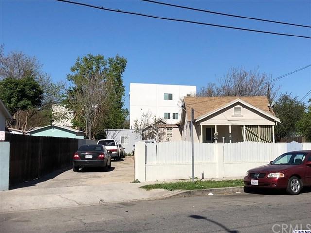 6065 Hazelhurst Place, North Hollywood, CA 91606 (#318001457) :: Barnett Renderos