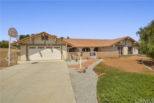 14590 Viewcrest Drive, Riverside, CA 92504 (#IV18080824) :: Bauhaus Realty
