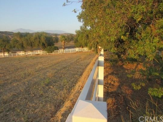29991 San Timoteo Canyon Road, Riverside, CA 92373 (#EV18086099) :: Bauhaus Realty