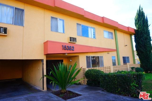 15352 Vanowen Street, Los Angeles (City), CA 91406 (#18335012) :: Bauhaus Realty