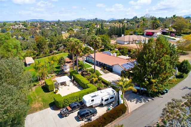 1560 Norstar Lane, Fallbrook, CA 92028 (#SW18087165) :: The Marelly Group | Compass