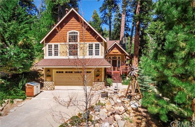 27332 Little Bear, Lake Arrowhead, CA 92352 (#EV18090304) :: Barnett Renderos