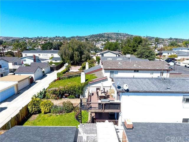 1455 W 2nd Street, San Pedro, CA 90732 (#CV18090378) :: Keller Williams Realty, LA Harbor