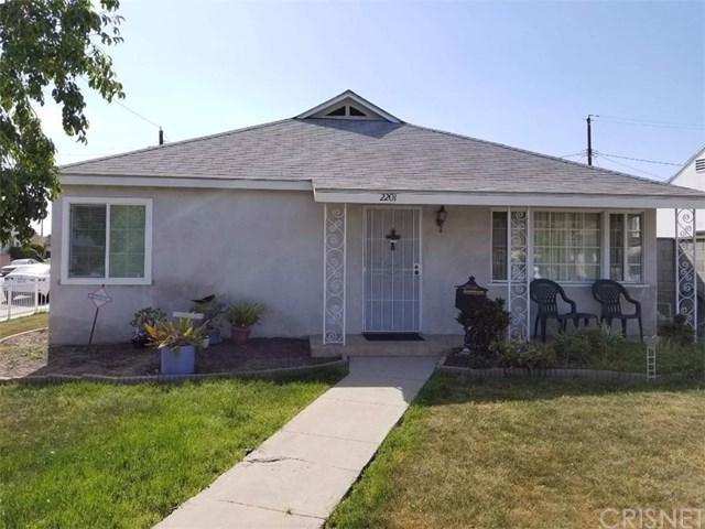 2201 N Brighton Street, Burbank, CA 91504 (#SR18089627) :: Barnett Renderos