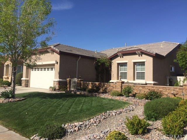 10466 Wilmington Lane, Apple Valley, CA 92308 (#EV18090753) :: Impact Real Estate