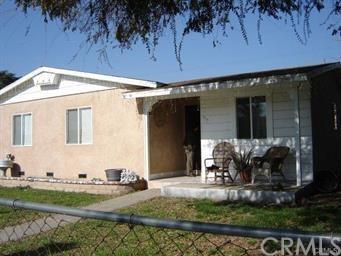 755 E La Verne Avenue, Pomona, CA 91767 (#CV18090993) :: Cal American Realty