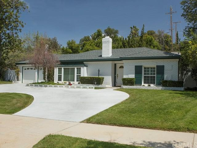 1565 Garden Street, Redlands, CA 92373 (#EV18090814) :: The Ashley Cooper Team