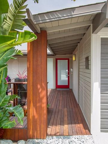 1339 Romulus Drive, Glendale, CA 91205 (#PF18069872) :: The Brad Korb Real Estate Group