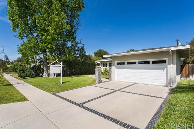6204 Sylvia Avenue, Tarzana, CA 91335 (#SR18091375) :: The Ashley Cooper Team