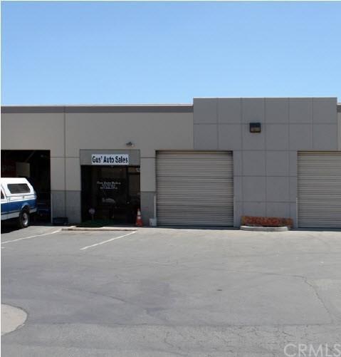 425 W Rider Street C12, Perris, CA 92571 (#WS18091874) :: Barnett Renderos