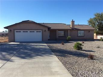10872 Kiavan Road, Apple Valley, CA 92308 (#TR18092001) :: Barnett Renderos
