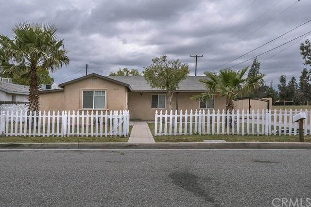 8556 Laurel Avenue, Fontana, CA 92335 (#CV18091263) :: Cal American Realty