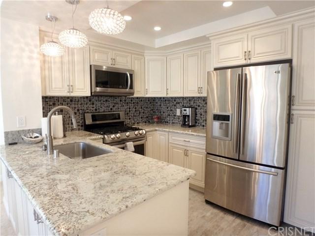 4240 Lost Hills Road #204, Calabasas, CA 91301 (#SR18092115) :: Impact Real Estate