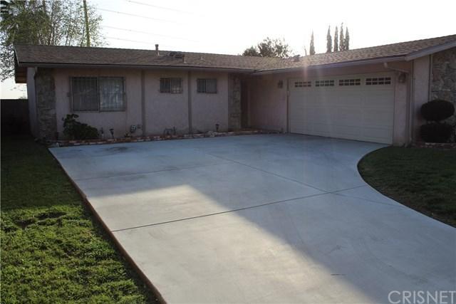 11613 Hunnewell Avenue, Sylmar, CA 91342 (#SR18066526) :: Kristi Roberts Group, Inc.