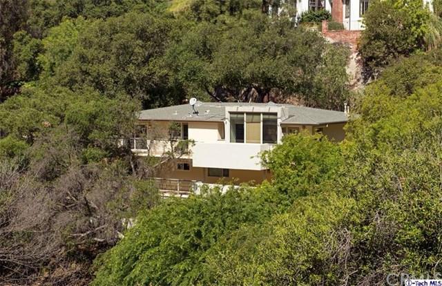 2568 Saint Andrews Drive, Glendale, CA 91206 (#318001410) :: The Brad Korb Real Estate Group