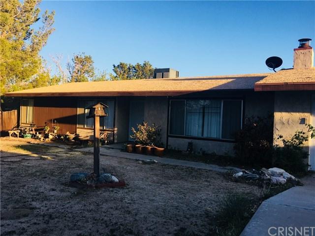 17842 Queensglen Avenue, Lake Los Angeles, CA 93591 (#SR18092741) :: UNiQ Realty
