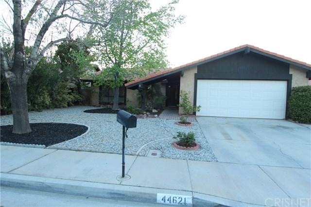 44621 Calston Avenue, Lancaster, CA 93535 (#SR18091659) :: Kristi Roberts Group, Inc.