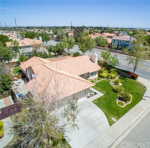 2001 Willowbrook Avenue, Palmdale, CA 93551 (#SR18092899) :: The Ashley Cooper Team