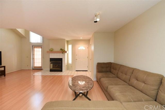 228 Camino Cortina, Camarillo, CA 93010 (#OC18085709) :: RE/MAX Parkside Real Estate