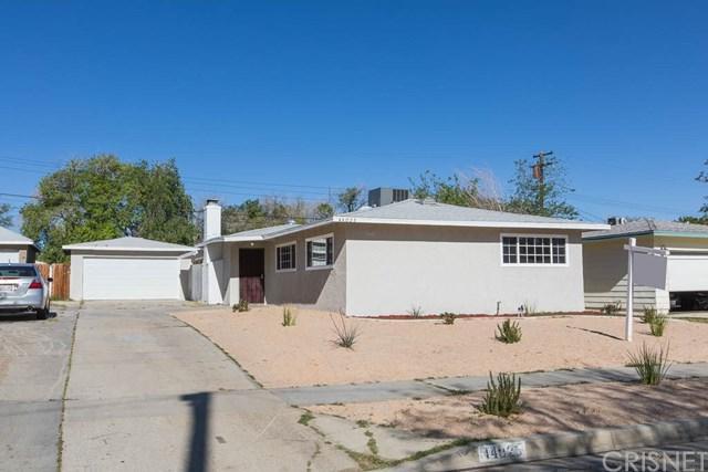 44025 Fern Avenue, Lancaster, CA 93534 (#SR18093183) :: Kristi Roberts Group, Inc.