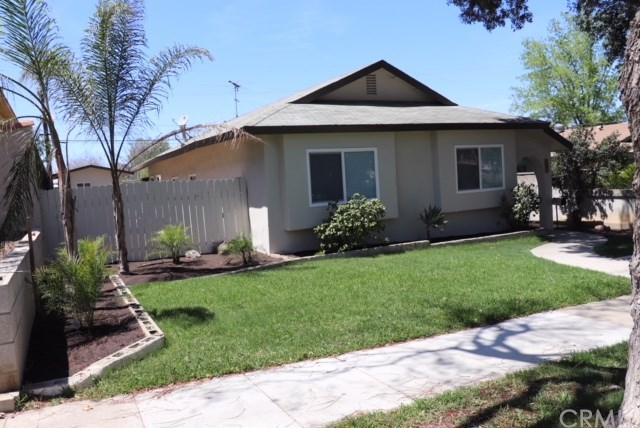420 Fuller Street, Corona, CA 92879 (#PW18093185) :: Barnett Renderos