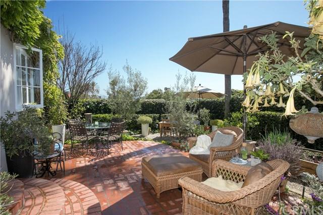 744 Manzanita Drive, Laguna Beach, CA 92651 (#LG18093196) :: Pam Spadafore & Associates