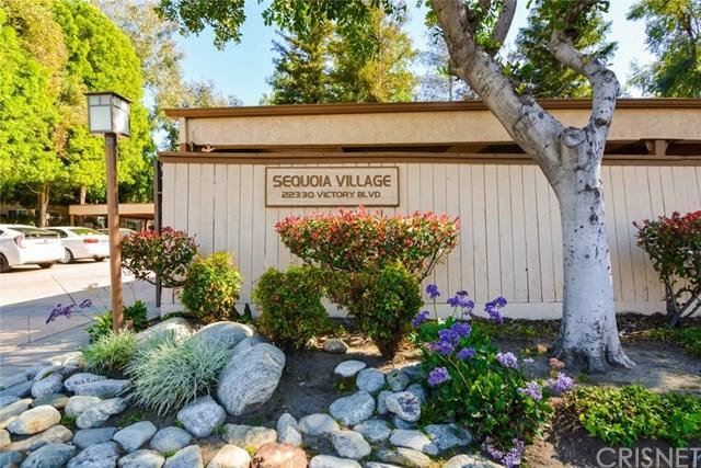 22330 Victory Boulevard #903, Woodland Hills, CA 91367 (#SR18093606) :: Kristi Roberts Group, Inc.