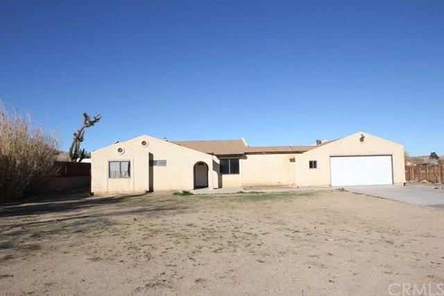 16353 Jubilee Trail Avenue, Palmdale, CA 93591 (#PW18094074) :: UNiQ Realty