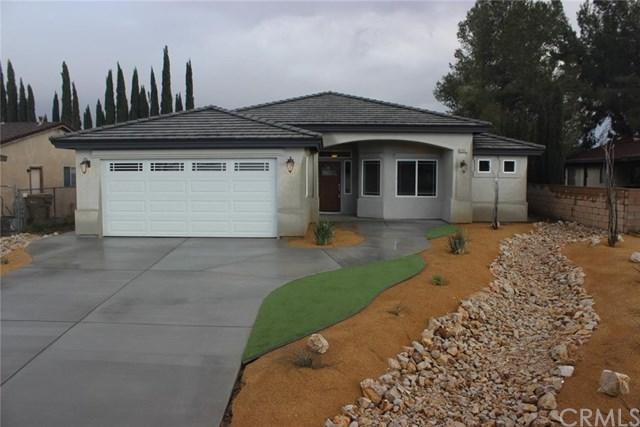 12815 Candlewick Lane, Victorville, CA 92395 (#IV18094163) :: Kristi Roberts Group, Inc.