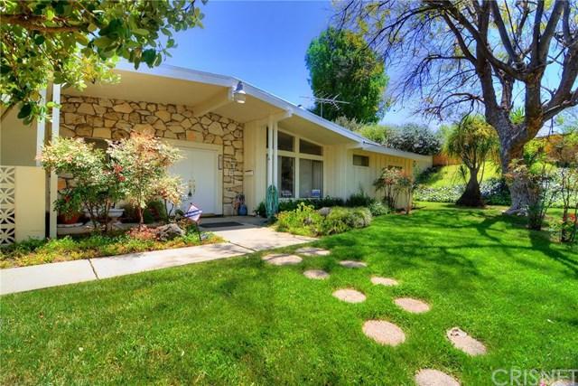5416 Manton Avenue, Woodland Hills, CA 91367 (#SR18088409) :: Kristi Roberts Group, Inc.