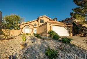 44250 Sundell Avenue, Lancaster, CA 93536 (#SR18089620) :: UNiQ Realty