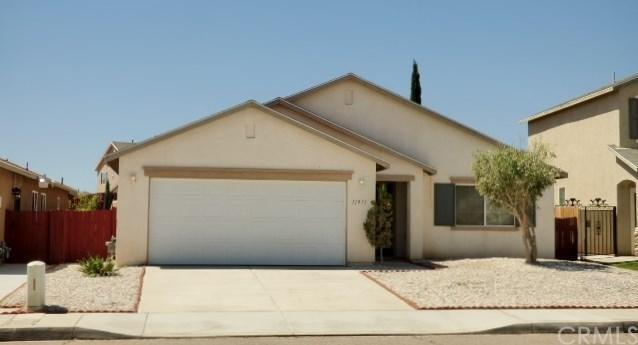 11971 Luna Road, Victorville, CA 92392 (#CV18094351) :: Barnett Renderos