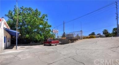 1476 Hamner Avenue, Norco, CA 92860 (#IG18094611) :: The DeBonis Team