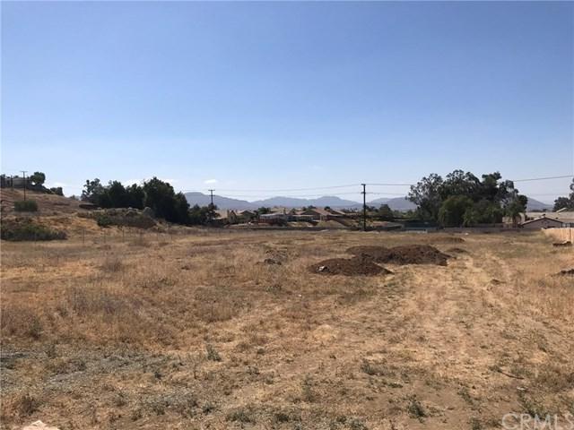 1 Ironwood, Moreno Valley, CA 92555 (#DW18094674) :: Kristi Roberts Group, Inc.