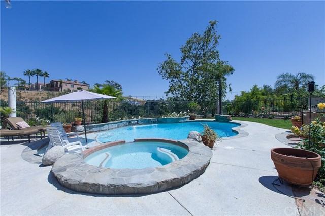 2 Alamitos, Lake Forest, CA 92610 (#OC18094764) :: Z Team OC Real Estate
