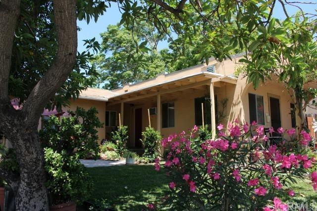39 Windsor, Sierra Madre, CA 91024 (#AR18037250) :: Impact Real Estate